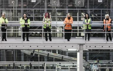 Suomen suurimmassa logistiikkakeskuksessa puhalletaan yhteen hiileen