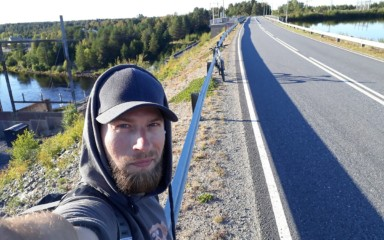 Hitsaaja Dimitrii Iulygin muutti pysyvästi Suomeen